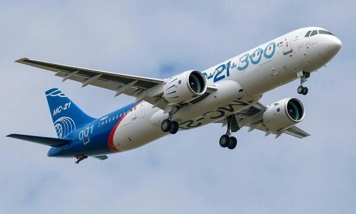 Новый российский лайнер МС-21 совершил первый пробный полет в Иркутске