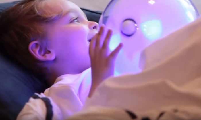 Видео: разработали специального робота для развития детей-аутистов