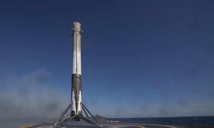 SpaceX объявила, какая из ее ракет-носителей совершит повторный полет в сентябре