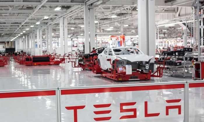 Маск приказал ускорить производство электромобилей Tesla