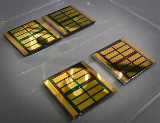 Ученые нашли способ повысить мощность солярных батарей на основе графена