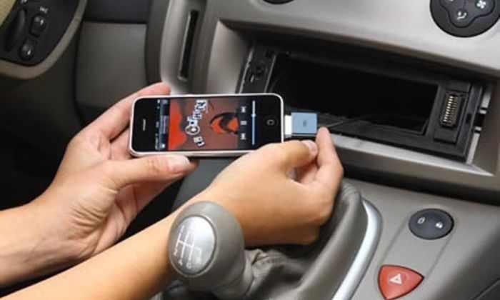Владельцы iPhone SE жалуются на проблемы с Bluetooth