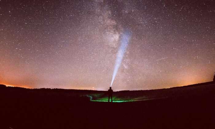Земля проходит через хвост кометы Галлея. Что смотреть на небе в октябре