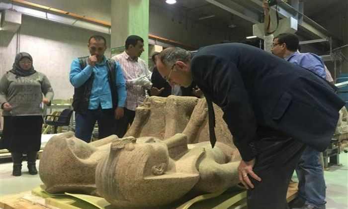 Египтяне перевезли древнюю статую весом в 4 тонны