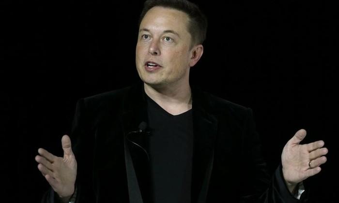 Илон Маск намерен соединить человеческий мозг с компьютером