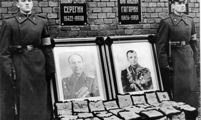 Космонавт Леонов пролил свет на гибель Гагарина