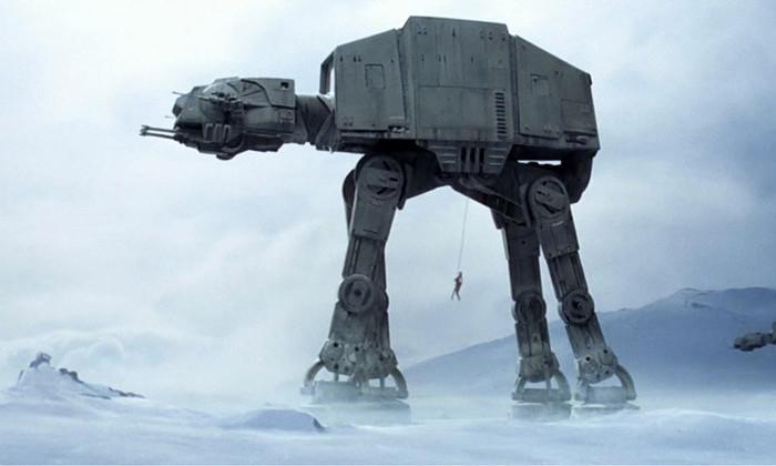 В Диснейленде начали строить боевые машины Империи из «Звездный войн»