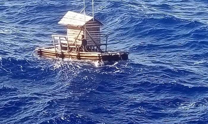 Подросток 49 дней провел один в открытом море. Издержки работы