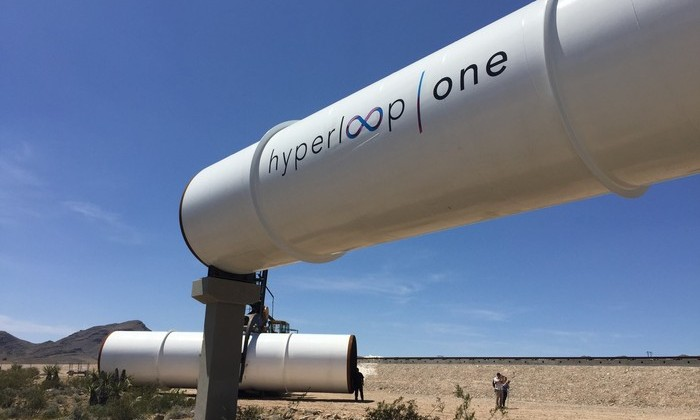 Видео: Hyperloop совершила первые полномасштабные испытания
