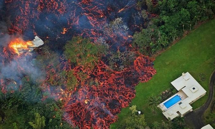 На Гавайях несколько дней извергается вулкан Килауэа