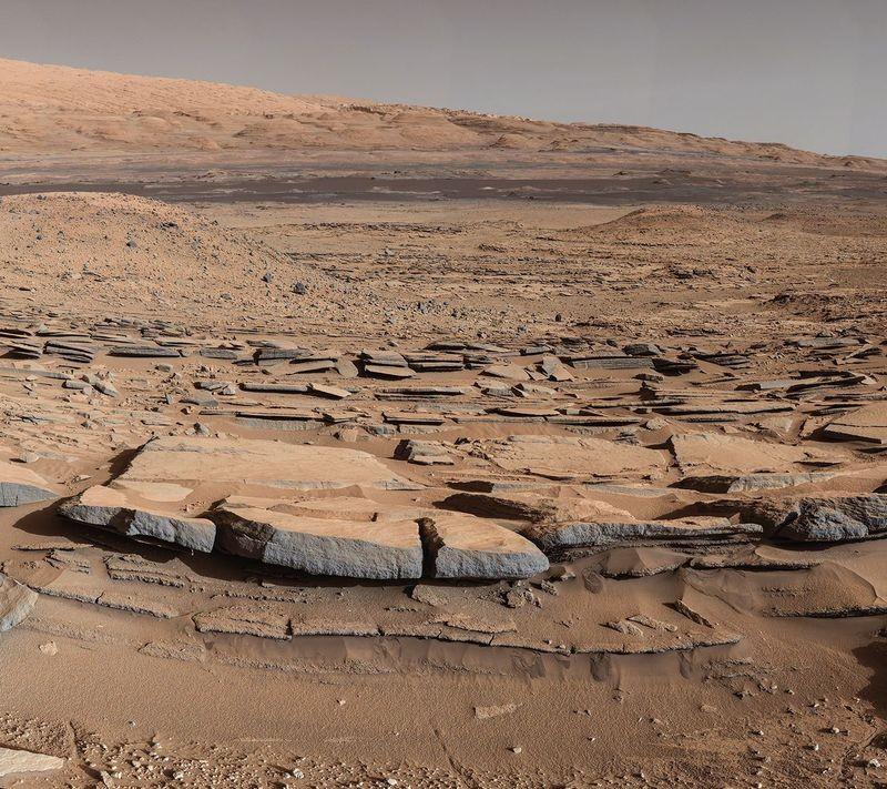 Ученые пояснили наличие жидкой воды наМарсе