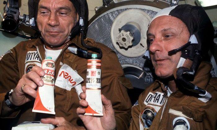 В аэропортах Москвы появились аппараты с космической едой