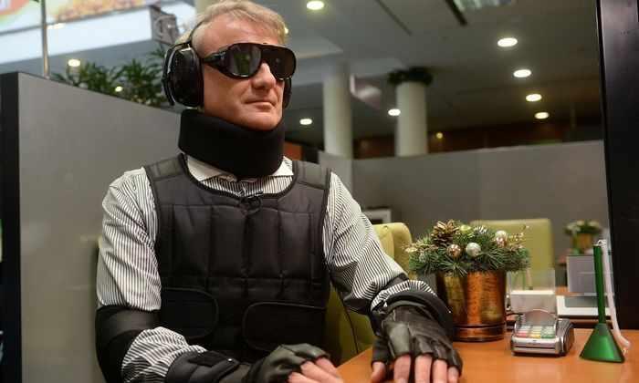 Герман Греф в «костюме» инвалида попытался взять кредит в Сбербанке