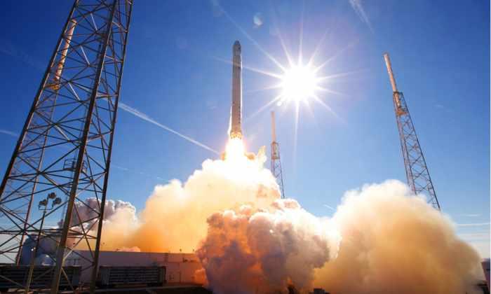 SpaceX снова отложила запуск Falcon 9