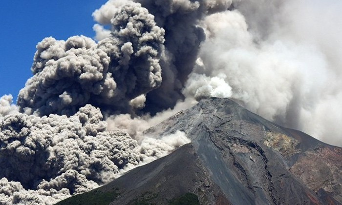 Вулкан в Гватемале убил 69 человек и ранил более 300. Объясняем, как так получилось