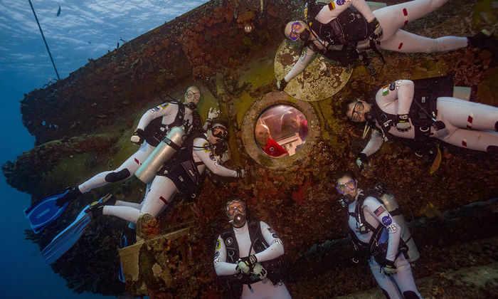 Астронавты НАСА готовятся к полету на Марс на дне океана