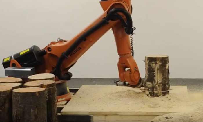 Видео: робот, в совершенстве владеющий бензопилой