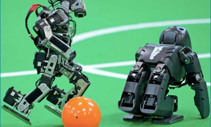 Американские студенты создали полностью автономных мини-роботов-футболистов