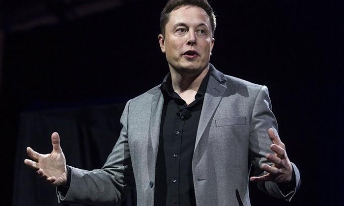 Илон Маск заявил о готовности создать энергохранилище на Украине