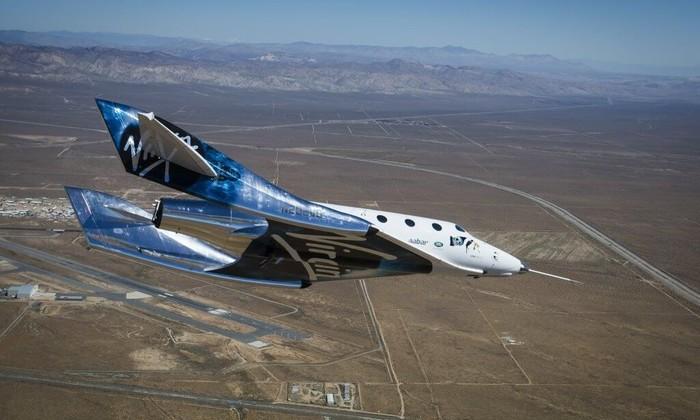 Видео: Virgin Galactic успешно испытала туристический космоплан