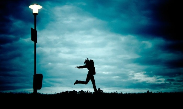Когда ночью видно лучше, чем днем: феномену «яркого неба» найдено объяснение