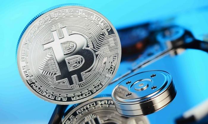 Госдума рассмотрит законопроект об обороте криптовалюты в сентябре