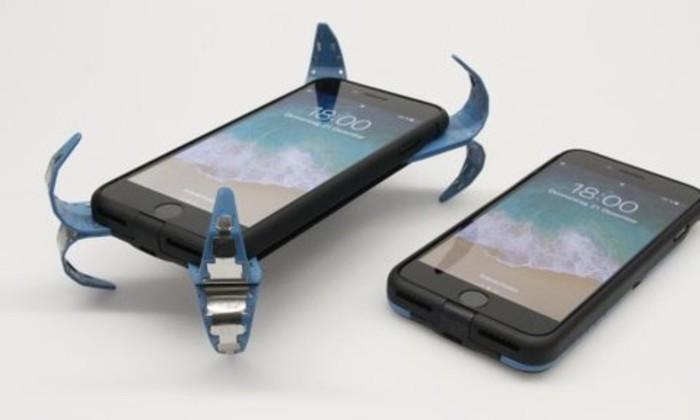 Прыг-скок: студент придумал оригинальный способ для защиты телефона