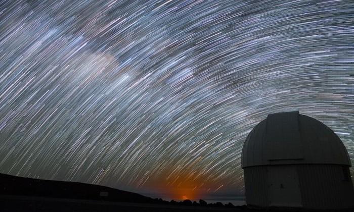 Видео дня: съемка ночного неба с самой высокой горы на Земле