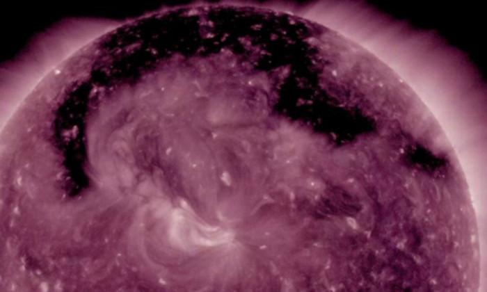 В атмосфере Солнца открылась гигантская дыра