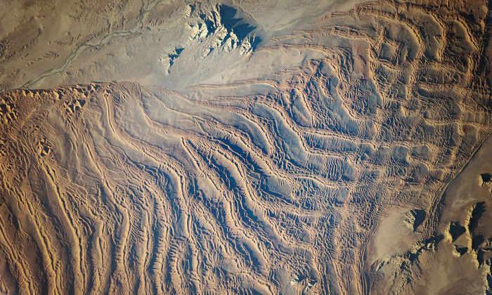 Изображение дня: линейные дюны пустыни Намиб с высоты МКС