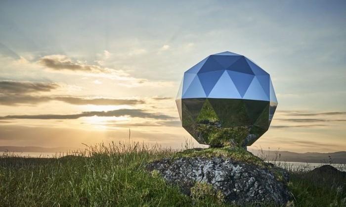 На земной орбите появилась первая «скульптура». Она должна напомнить нам о главном