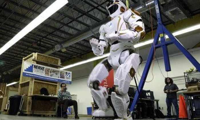 Роботы НАСА подготовят Марс для жизни человека