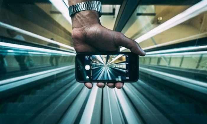 Российские ученые зарядили мобильный телефон лазером с расстояния в 1,5 км
