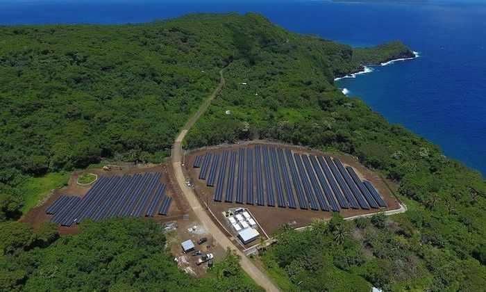 Остров в Тихом океане полностью перешел на солнечные батареи Tesla