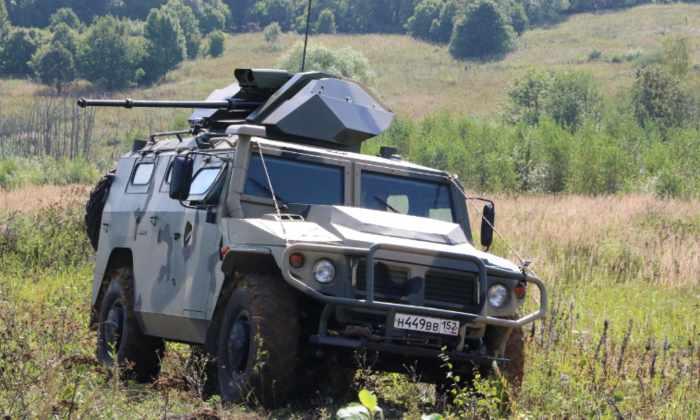 ВПК показала видео первых испытаний беспилотного бронеавтомобиля «Тигр»