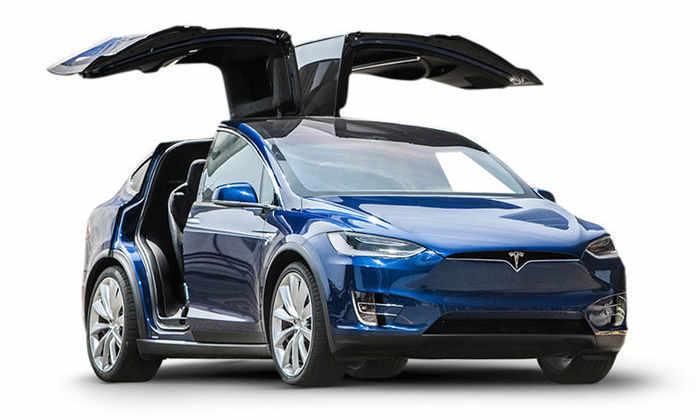 Илон Маск ночует в цеху, наблюдая за производством Tesla Model X