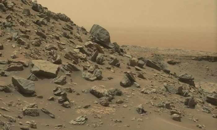 Марсоход Curiosity прислал на Землю новые снимки Марса