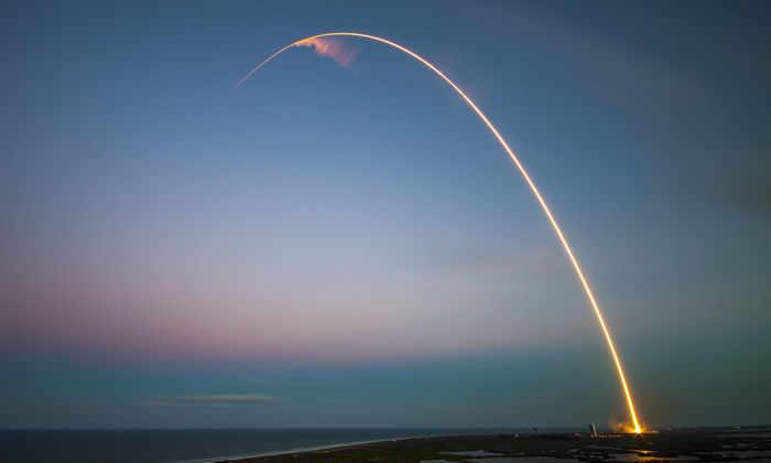 SpaceX с пятой попытки запустил ракету Falcon9