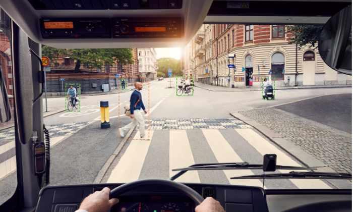 Если водитель уснул за рулем. Электробусы Volvo оснастили новой системой