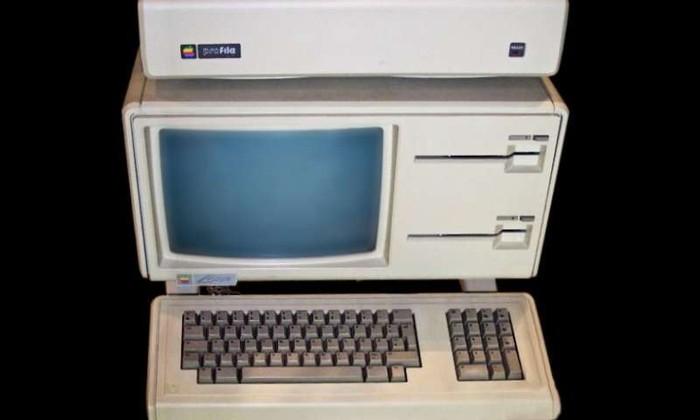Apple обнародует исходный код своего первого компьютера 1983 года