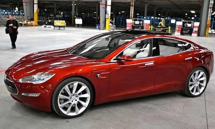 Tesla Model 3 собрала предзаказов на 10 миллиардов долларов