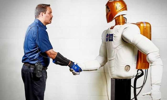 Видео: оботизированная перчатка помогает в разы увеличить физическую силу человека
