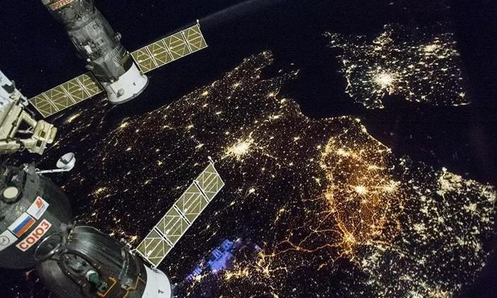 Видео: полетать над Землей на высоте МКС