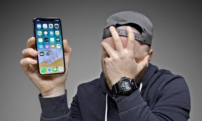 У iPhone X нашли два новых дефекта