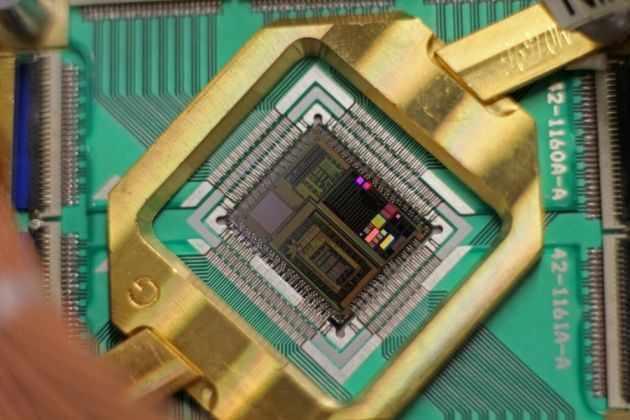 Google создал универсальный квантовый компьютер