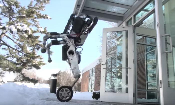 Boston Dynamics представила своего первого робота на колесах