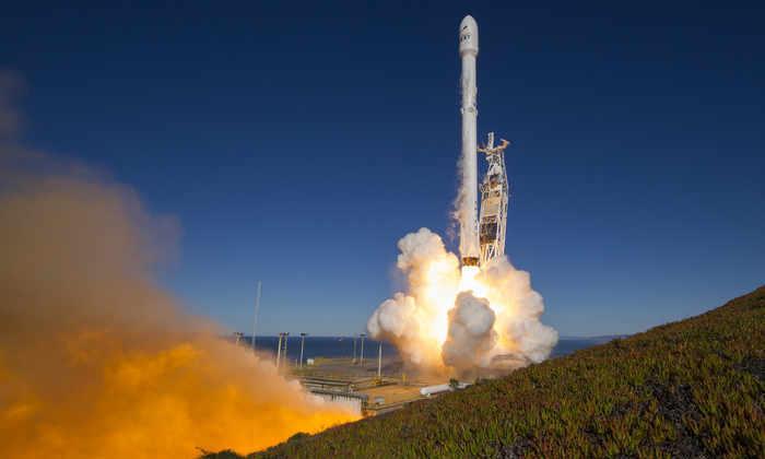 SpaceX показала фотографии с последнего запуска Falcon-9