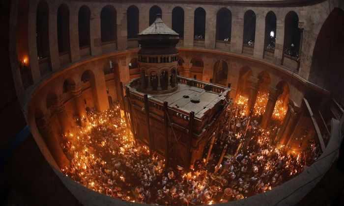 Археологи нашли скрытые слои в гробнице Христа