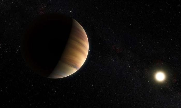 В атмосфере «горячего Юпитера» обнаружили воду