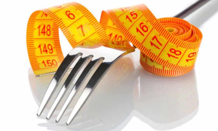 Новый гаджет определит диету человека по звукам поедаемой пищи